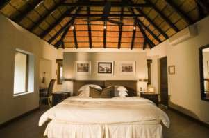 phinda private game reserve zuka lodge (suite)